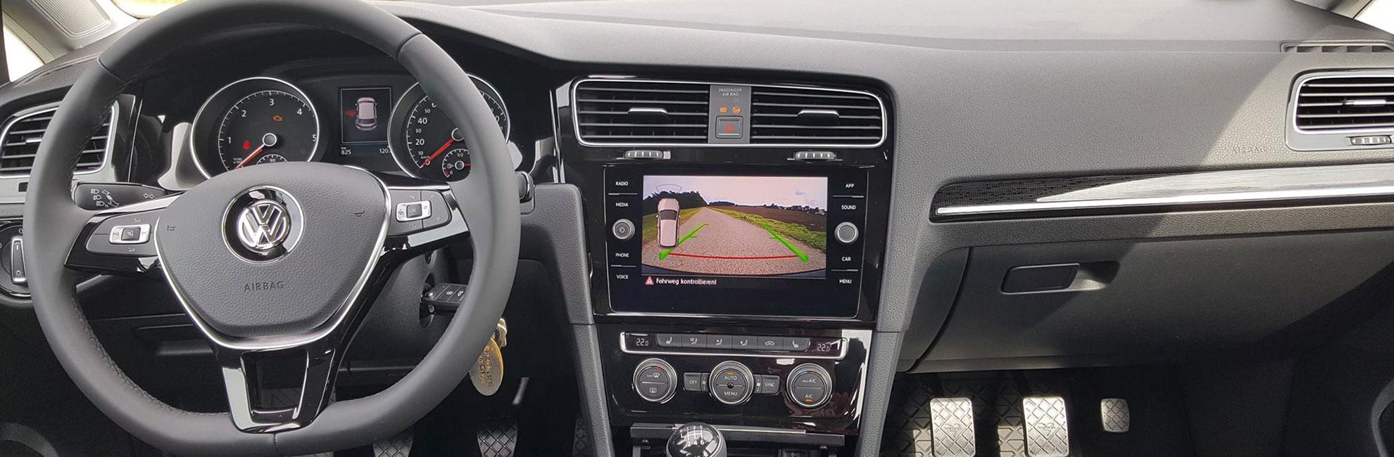 Fahrschule Löhn - Cockpit Fahrschulauto VW Golf